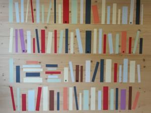 Livres sur les murs du LaboCité